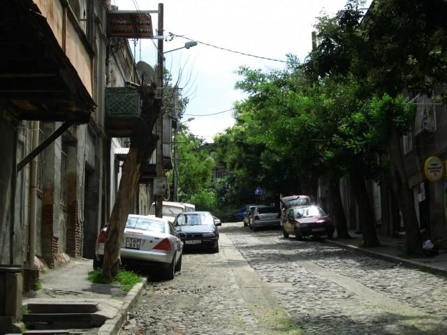 10 метров вверх по улице Гришашвили