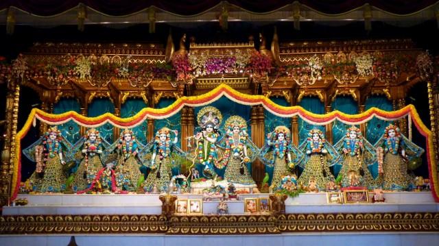 Радха-Говинда и 8 гопи