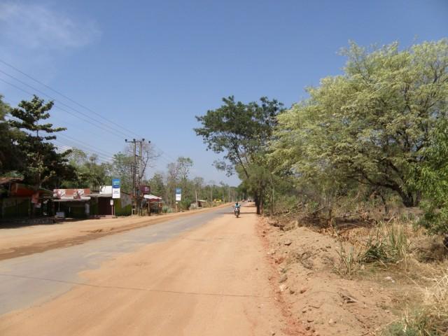 Просто шоссе около Дамбана-роад