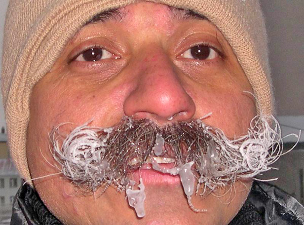 Индийский скульптор Равиндер - прямо Дед Мороз!