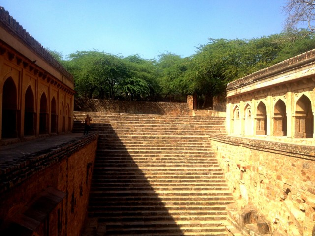 Mehrauli Archeological Park 03