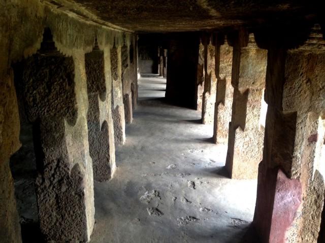 Undavalli caves 03