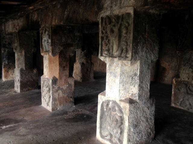 Undavalli caves 04