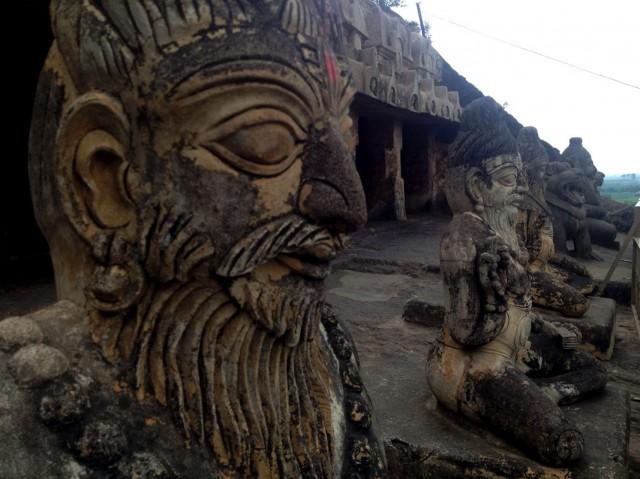 Undavalli caves 08