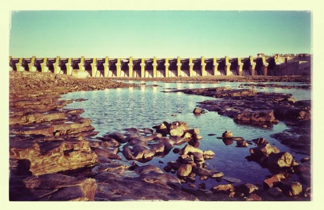 Дамба Омкарешварской ГЭС