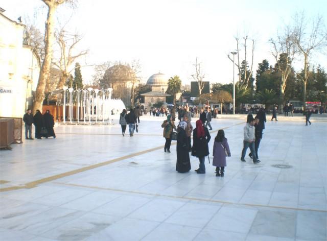 Беломраморная площадь перед Мечетью Эйюп-султана