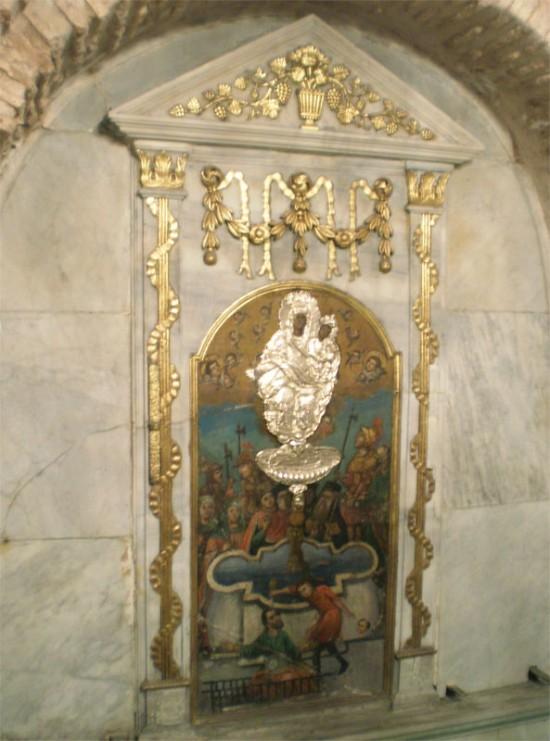 Икона живоносного источника Пресвятой Богородицы
