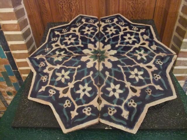очень красивый фрагмент древней мозаики