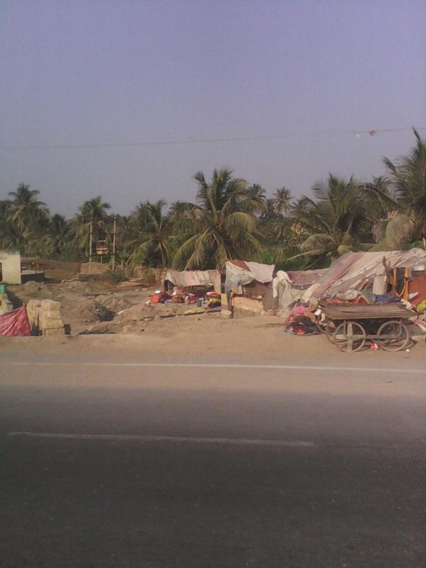 лагерь гастробайтеров в деревне