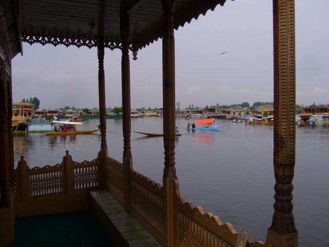 вид из хаус-бота, гостиницы на воде