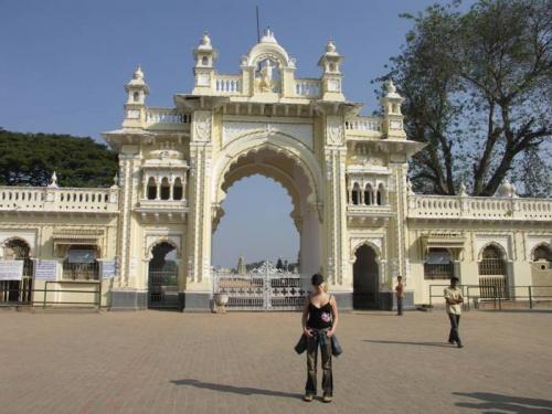ворота дворца