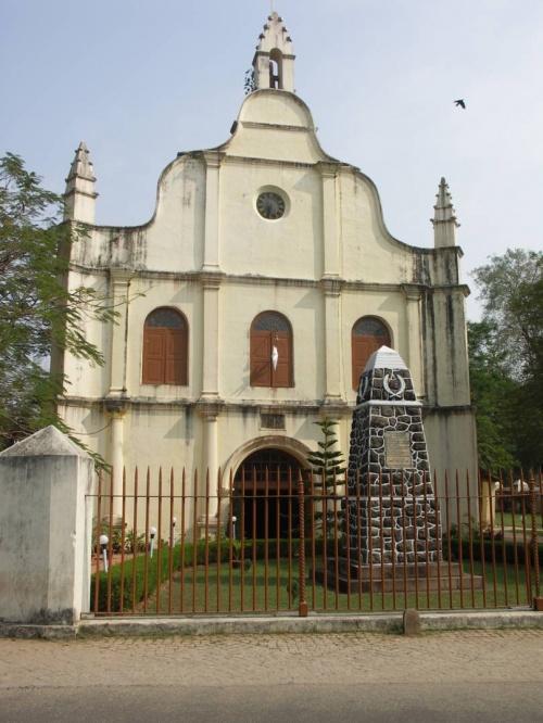 базилика св. Франциска - одна из древнейших католических церквей Индии