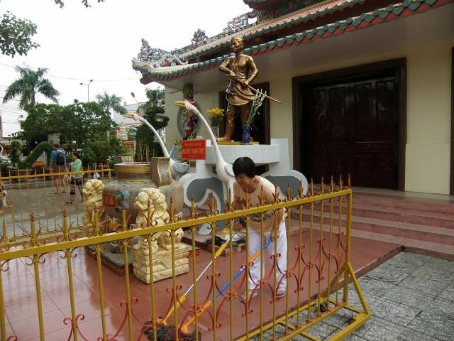 Общинный дом - это и храм, и школа, и администрация