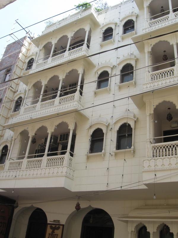Отель, стилизованный под дворцы Раджастана