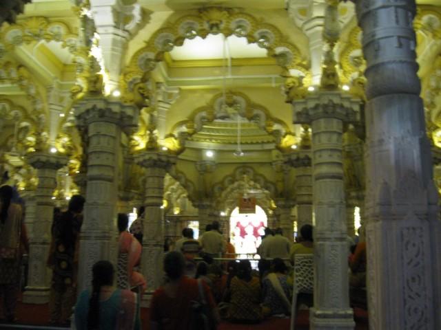 храм Свами Нараяна в Ахмедабаде