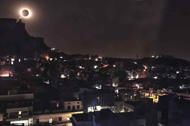оказалось что я не смогу тут увидеть лунного затмения и я его подрисовал.. Фулмун..
