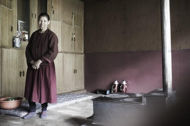 Монашка в Пьокар-гомпе