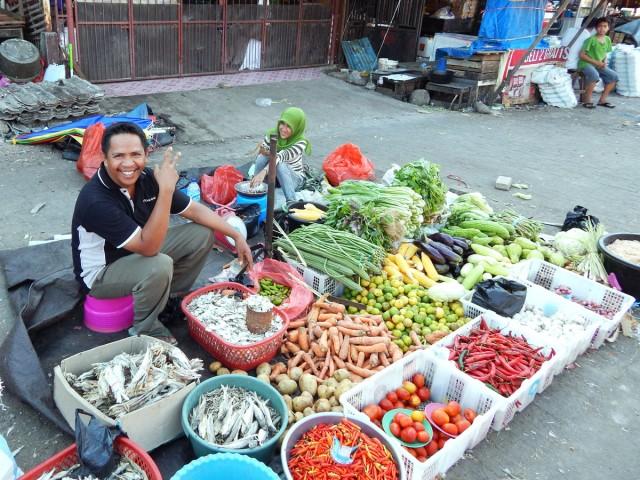 Рыбой торгуют даже продавцы овощей