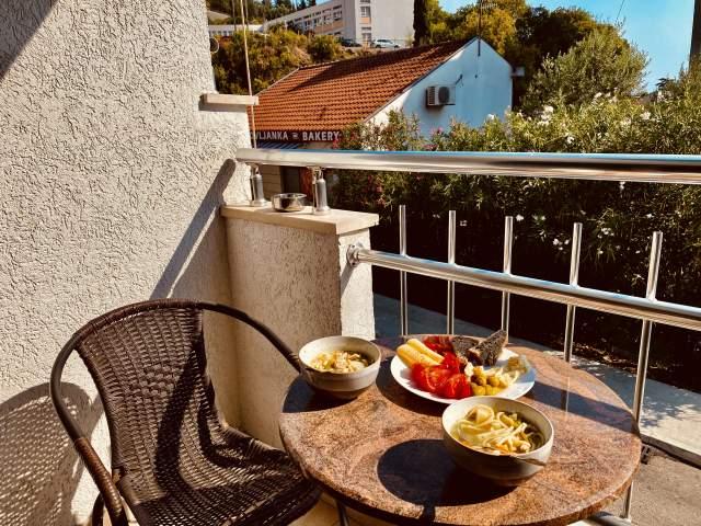 Обедаем на балконе