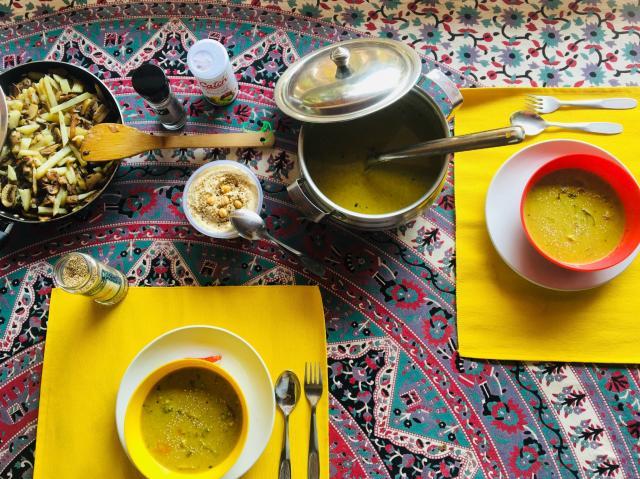 Обед сегодня на Дирижабле