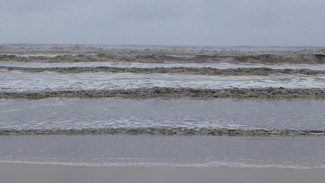 А море, да, бушует