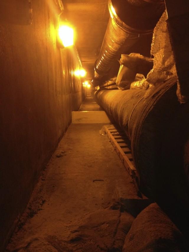 трубы уходят под Темзу на другую сторону реки, где раньше работала угольная электростанция. Раньше ее тепло просто уходило в реку, а потом его направи
