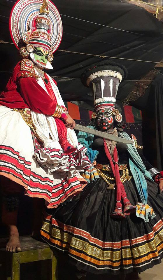 Джаянтха отрезает груди Накратхунди
