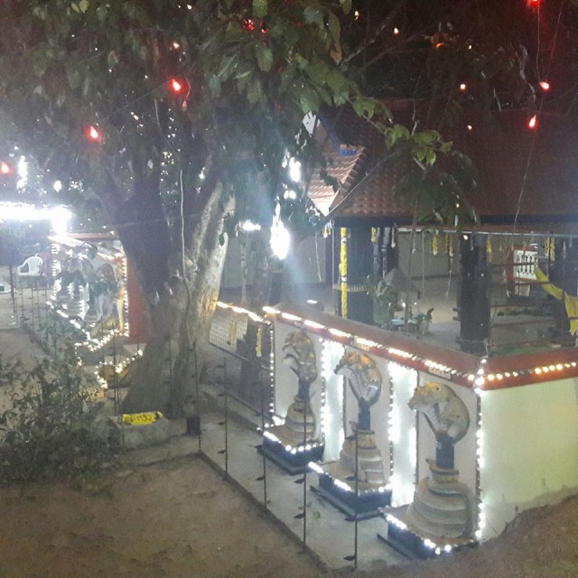 Храм Шивы-змеи