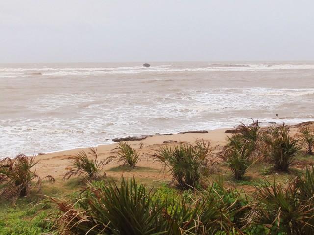 Пляж Уколи Колени