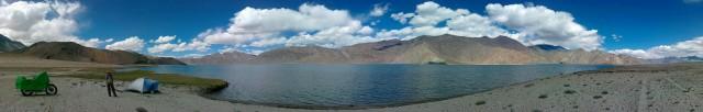 на озере пангонг