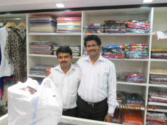 Продавцы из магазина, где сумку покупала