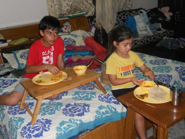 Обед и мультики после школы