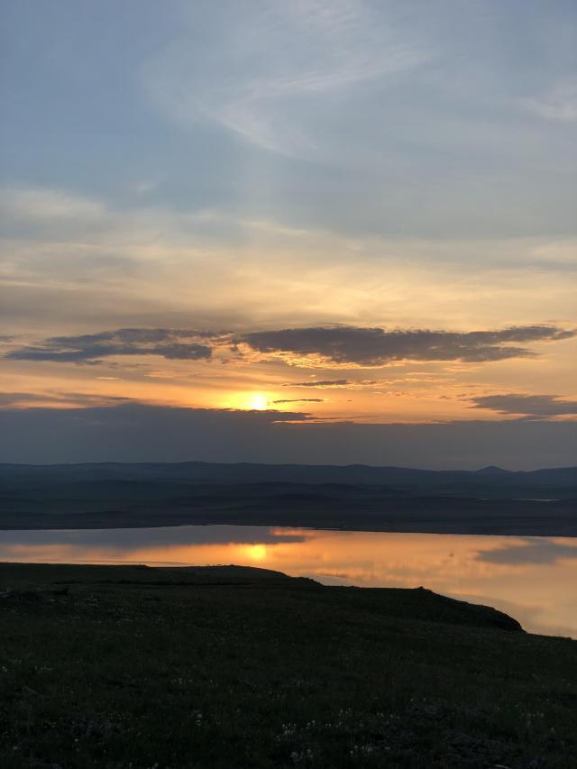 Рассвет на озере Тус