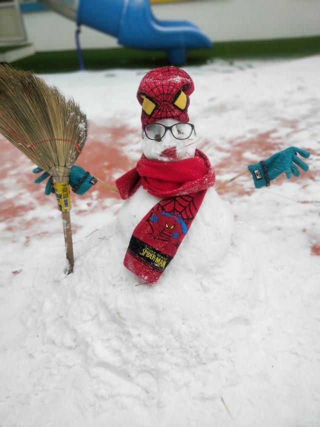 Снеговик-паук