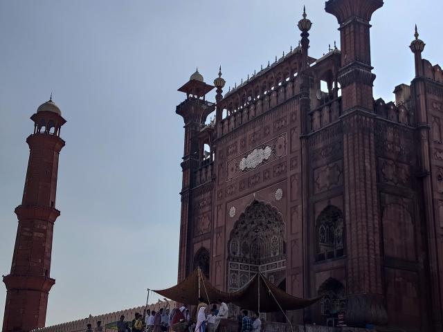 Соборная мечеть Бадшахи