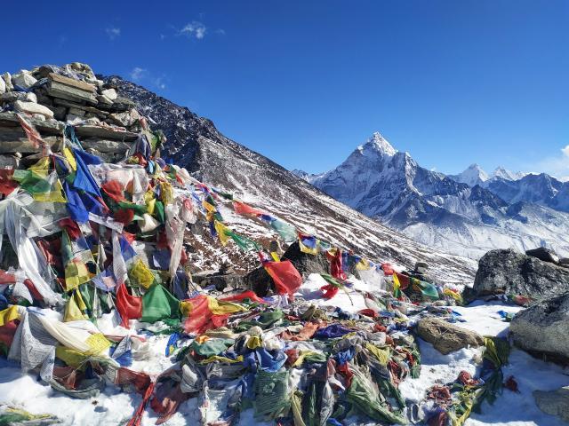 В районе памятников погибшим альпинистам