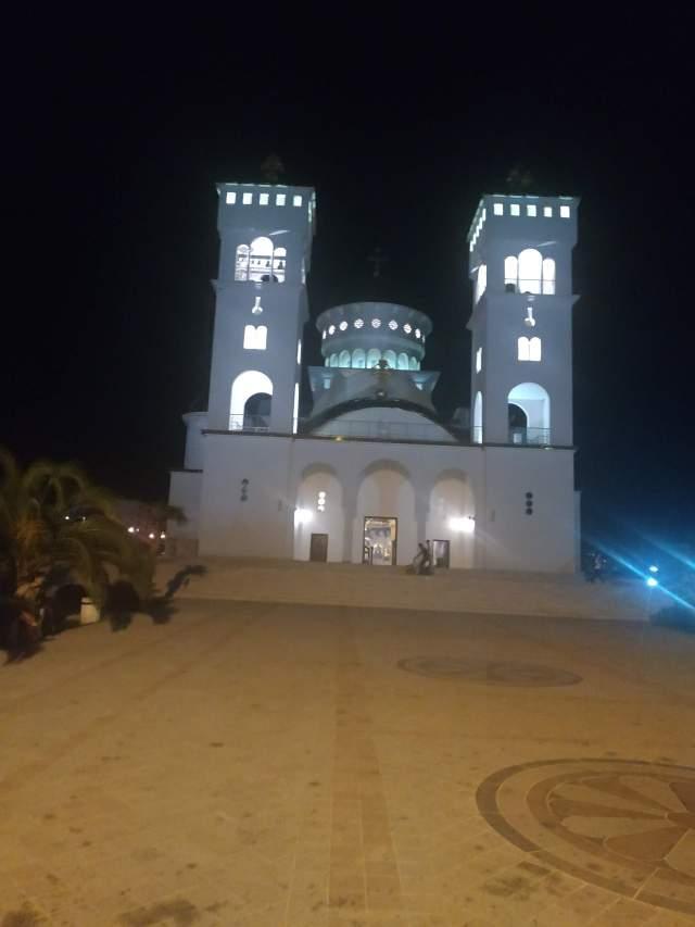нереальный храм в Баре