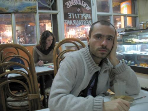 Сижу на Мейн-базаре маленько перегруженный впечатлениями