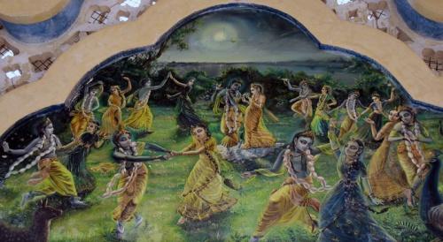 Как это было 5 тысяч лет назад: Раса-лила - Кришна танцует с подружками (фрагмент росписи храма Кришна-Баларам)