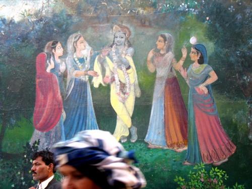 Вечное и преходящее. Роспись стены возле Радха-кунды