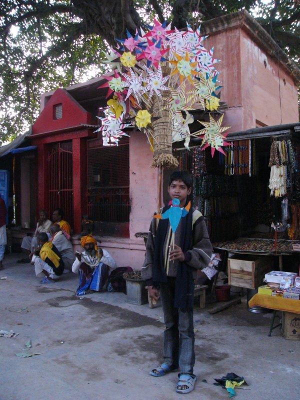 продавец крыльев (Варанаси)