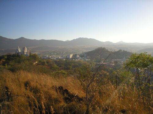 Вид с холма  Ханумана на рассвете.