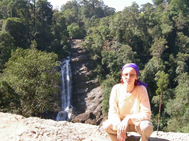 Таня и водопад