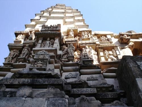 Храм Лакшмана (посвящен Вишну, самый старый в группе)