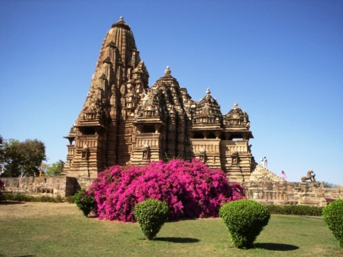Храм Кандарья Махадео (самый величественный, посвящен Шиве)