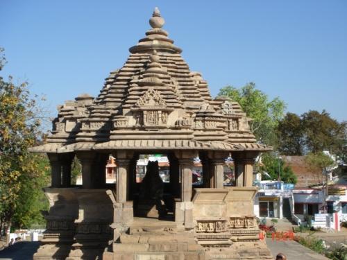 Храм Нанди, белого быка - спутника Шивы