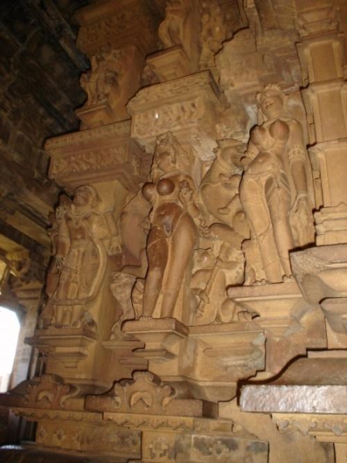 Внутренние стены храма