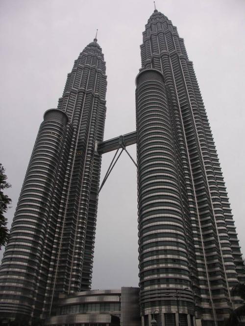 Башни-близнецы Petronas