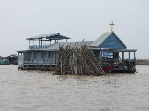 плавучая церковь