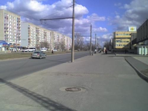 маршрут 17 и 23 тролейбуса... выход в центр...:)
